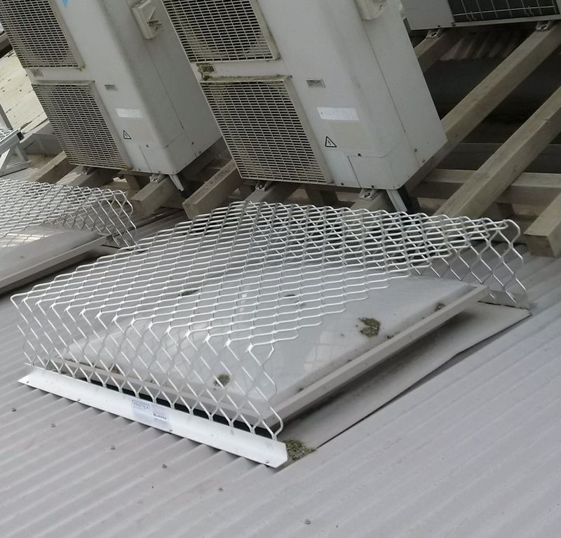 RAISED SKYLIGHT PROTECTOR 800mm